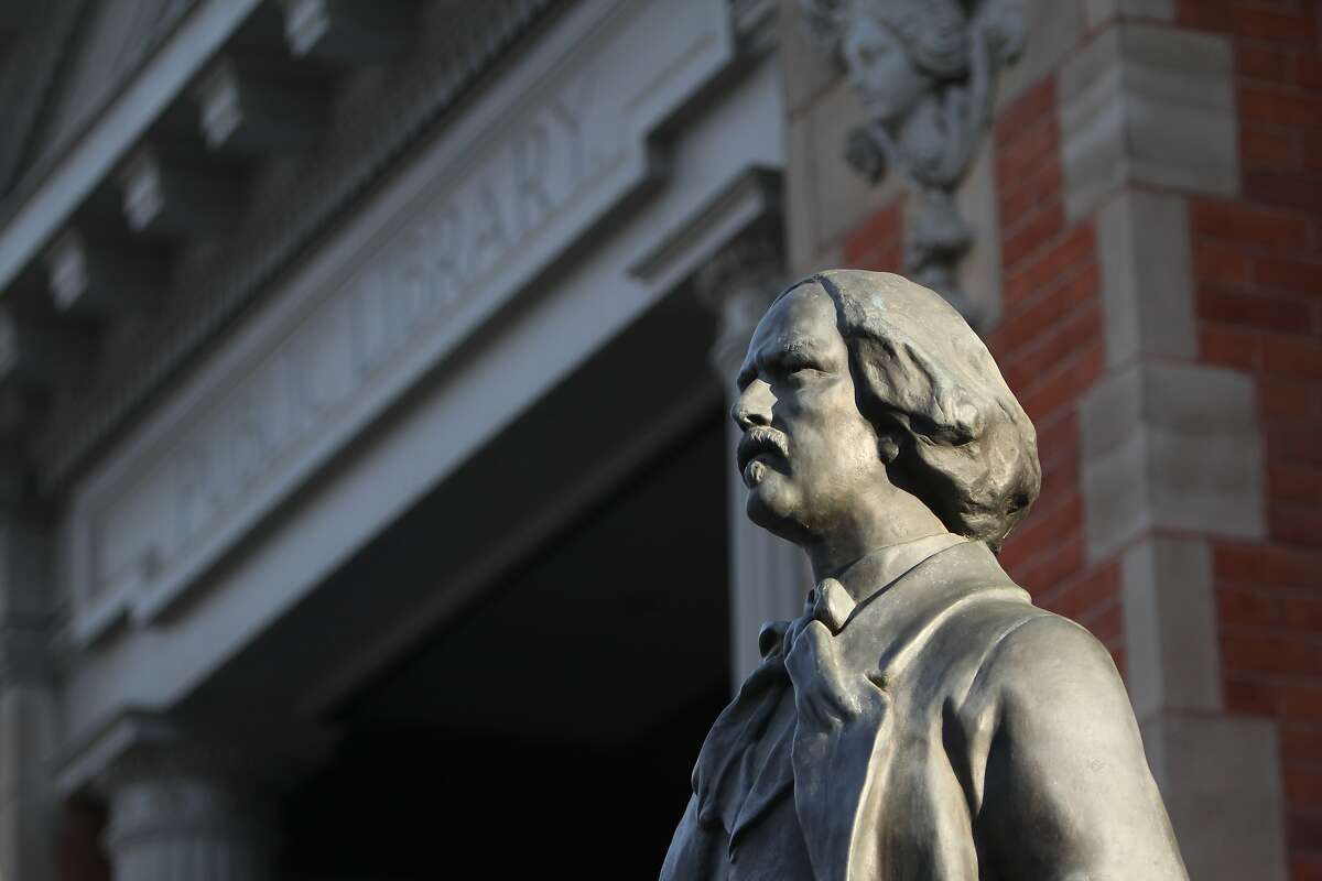 A bronze sculpture of Ignacy Jan Paderewski, called