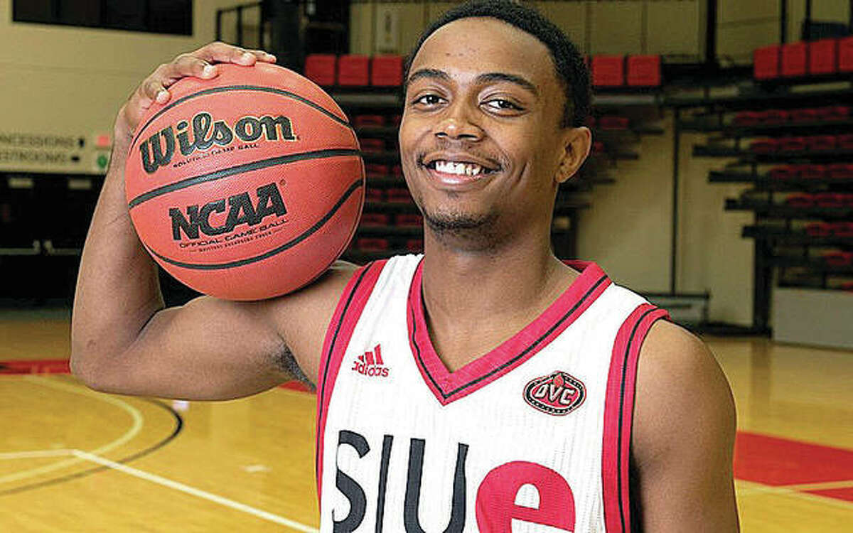 Tyresse Williford is a 5-foot, 10-inch, 165-pound point guard from Chicago who will transfer to SIUE from Wabash Valley Community College. He will be a junior at SIUE.