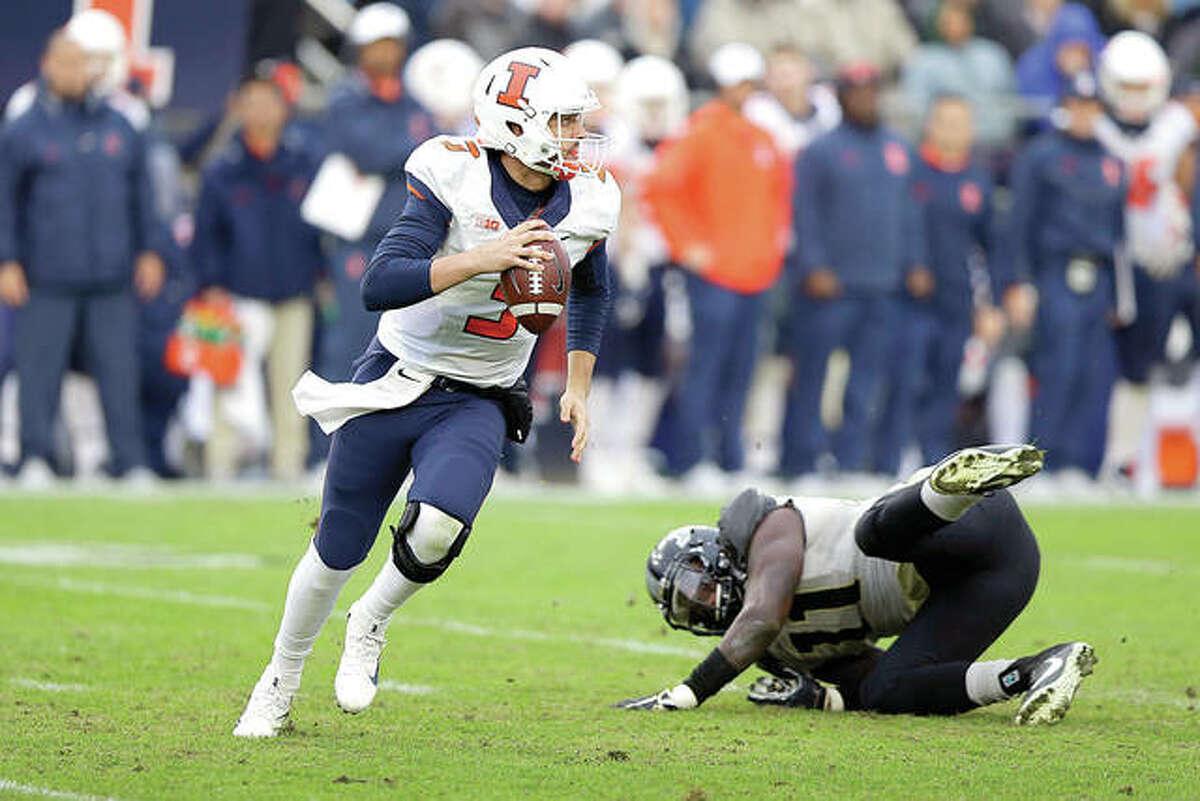 Illinois quarterback Jeff George Jr. (3) scrambles during last Saturday's game against Purdue in West Lafayette, Ind. Purdue defeated Illinois 29-10.