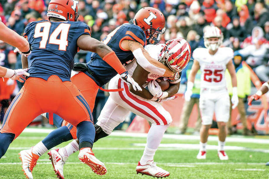Indiana running back Morgan Ellison (27) makes his way into the end zone for a touchdown during Saturday's game against the Illini in Champaign. Photo: AP