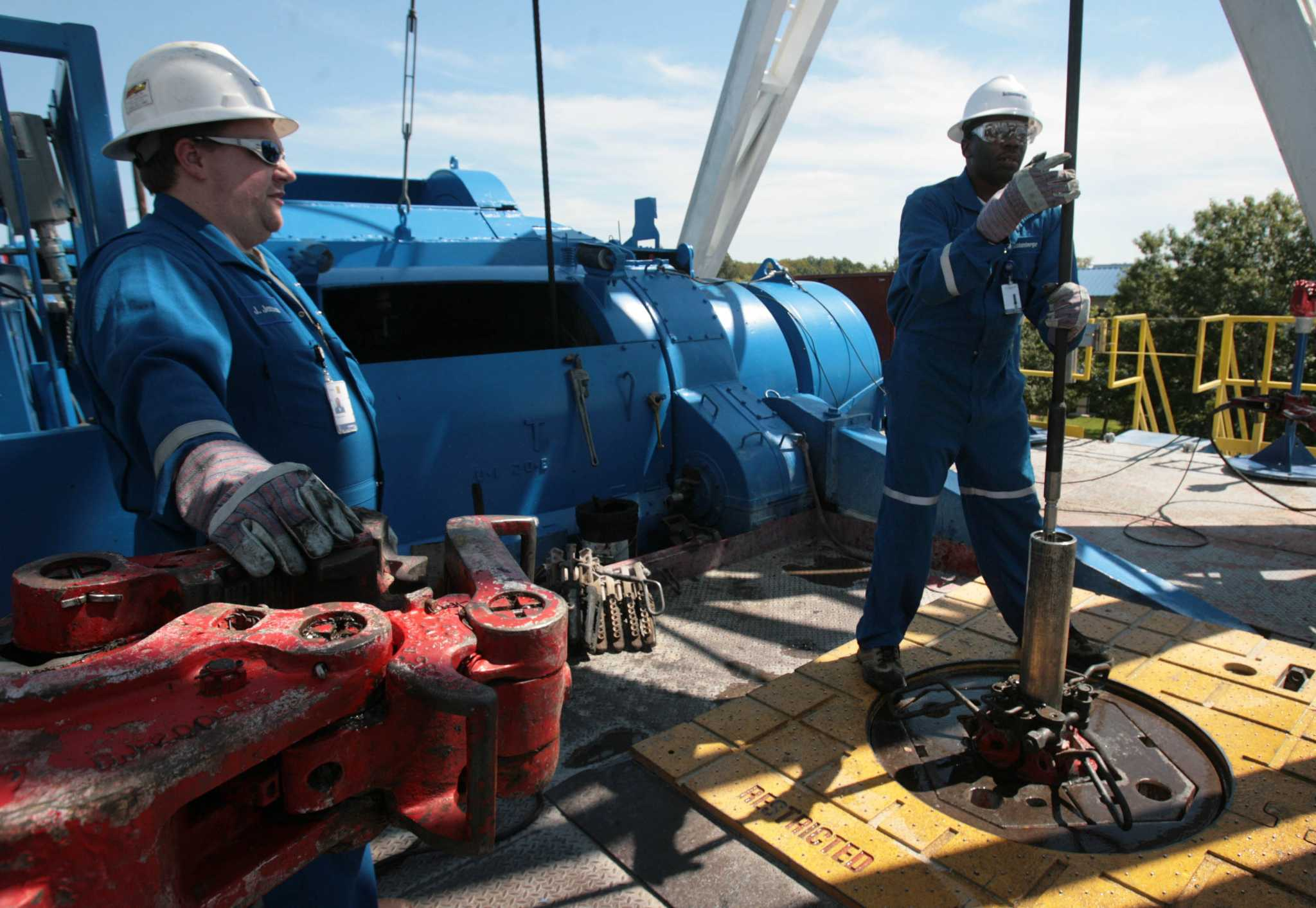 Schlumberger posts $11.4 billion loss amid hefty pretax charges