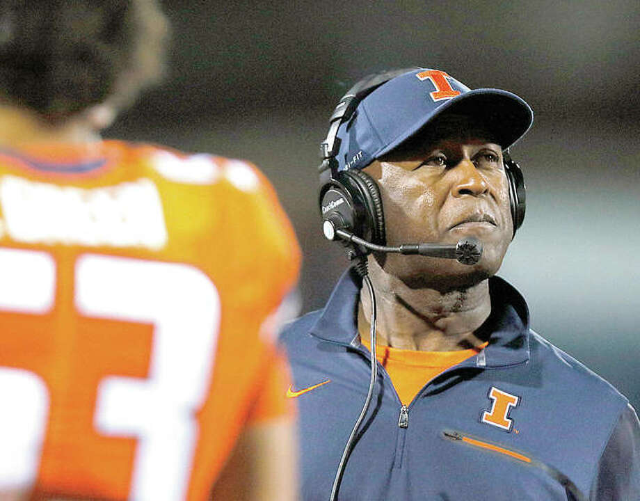 Illinois coach Lovie Smith's team started off the season with a pair of home victories and then things went sour as the Illini lost their next 10 games and finished the year as the only team in the Big Ten without a conference victory. He is shown during a loss to Nebraska in September. Photo: AP