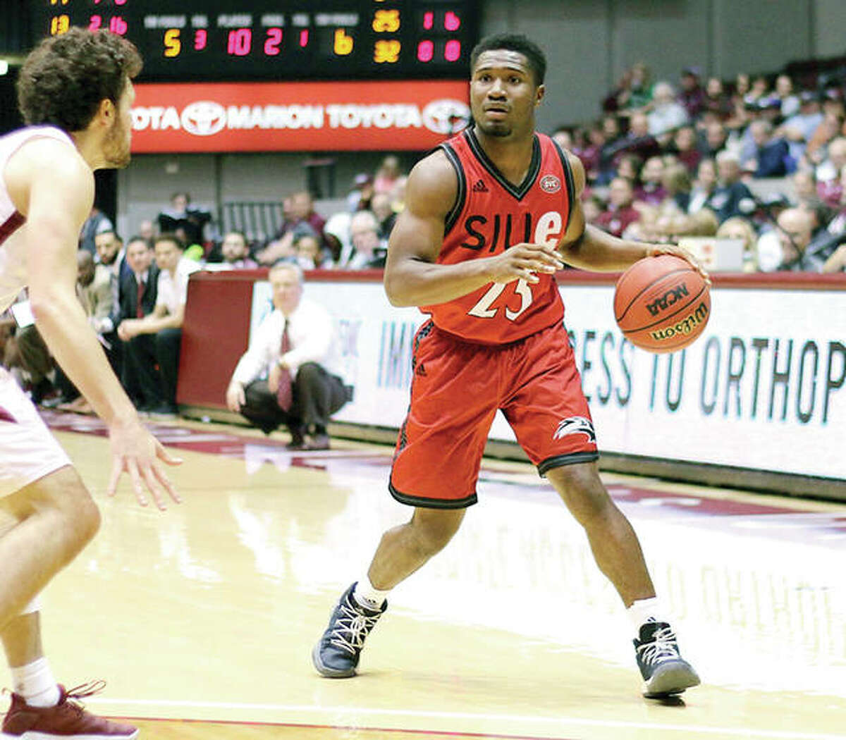 SIUE's Jalen Henry (12) scored 16 points to lead the Cougars in their last game, an 86-71 defeat Sunday at Fort Wayne. SIUE will look to end a four-game skid Wednesday night at IUPUI. He is shown in action last week in action at SIU Carbondale.