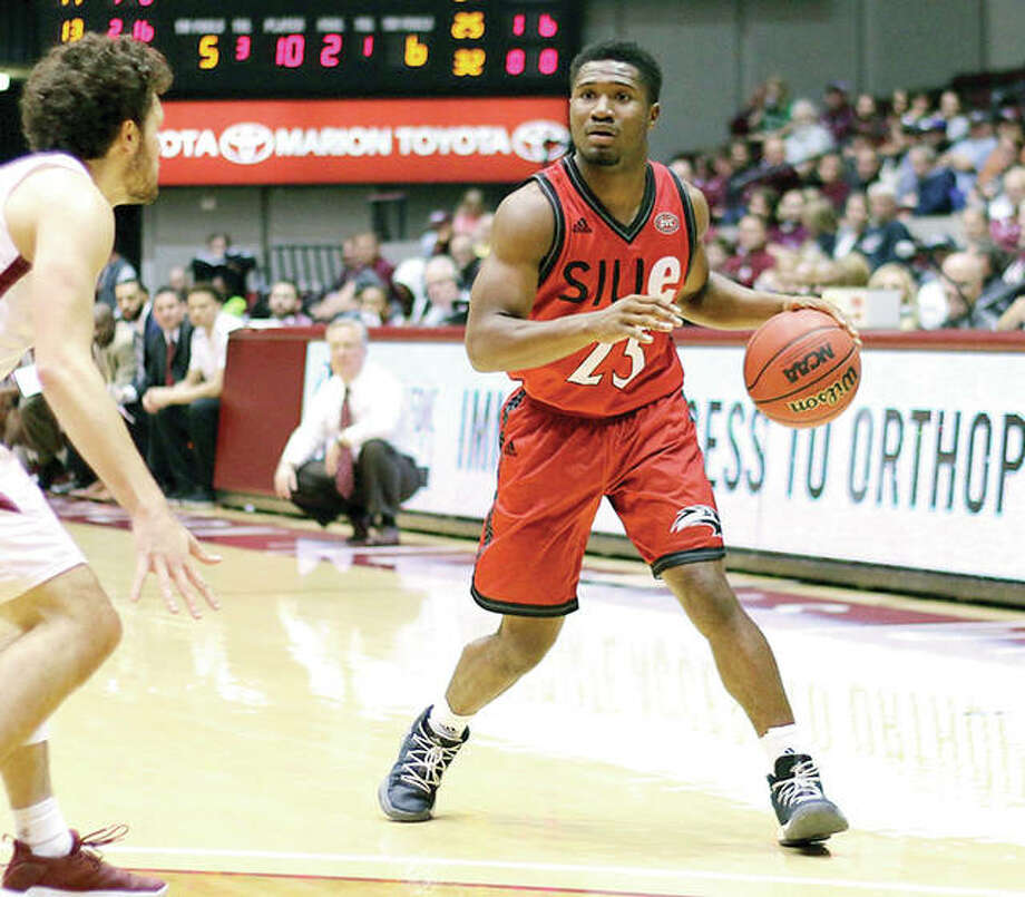 SIUE's Jalen Henry (12) scored 16 points to lead the Cougars in their last game, an 86-71 defeat Sunday at Fort Wayne. SIUE will look to end a four-game skid Wednesday night at IUPUI. He is shown in action last week in action at SIU Carbondale. Photo: SIUE Athletics