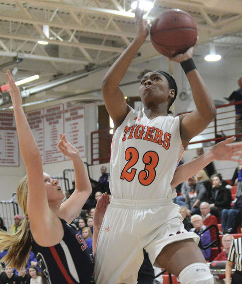 Edwardsville senior Myriah Noodel-Haywood goes up for a shot during first-quarter action against Parkway South at the Visitation Christmas Tournament on Saturday in St. Louis. Photo: Matthew Kamp / For The Telegraph