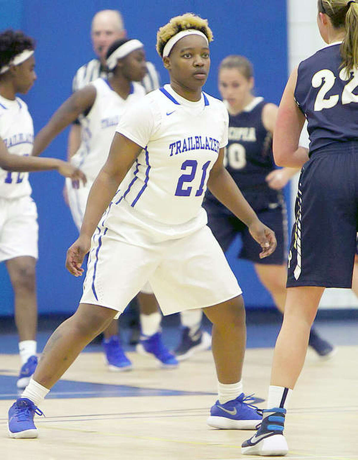 Lewis and Clark's Juantia Walton (21) and her teammates won a pair of games at the recent Lady Saluqui Classic in Memphis, downing Three Rivers Community College and Southwest Tennessee. LCCC (9-3) will play at Southwestern Illinois College Wednesday in Belleville.