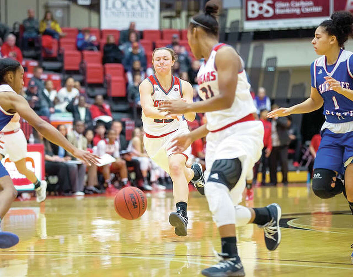 SIUE's Allie Troeckler sends a bounce pass to teammate Donshel Beck Saturday in the Cougars' victory over Tennesseee State at the Vadalabene Center.