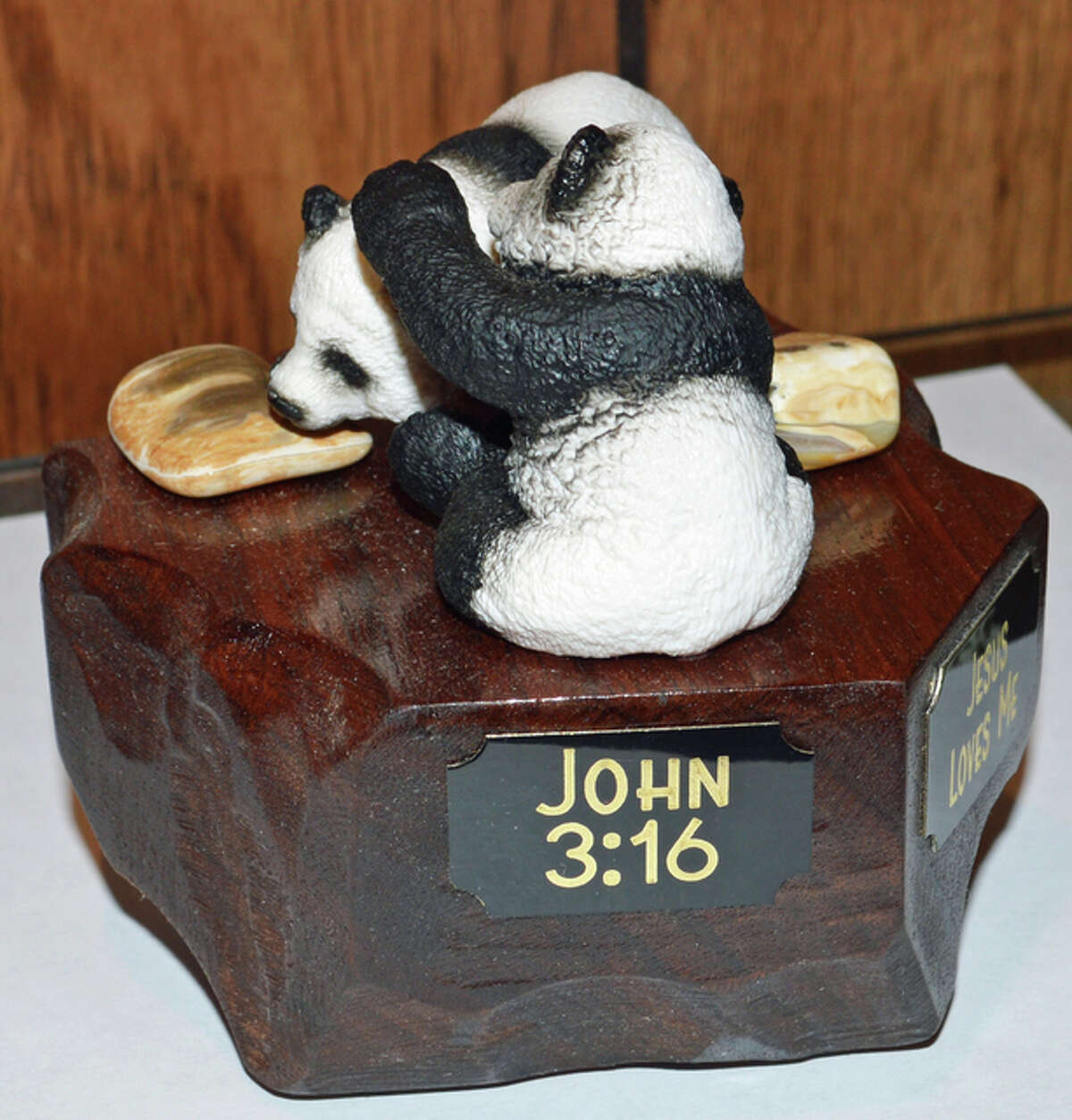 Dennis Hunt creates plaques that offer a message and inspire people. Many of them also include a reference to the John 3:16, Hunt's favorite Bible verse.