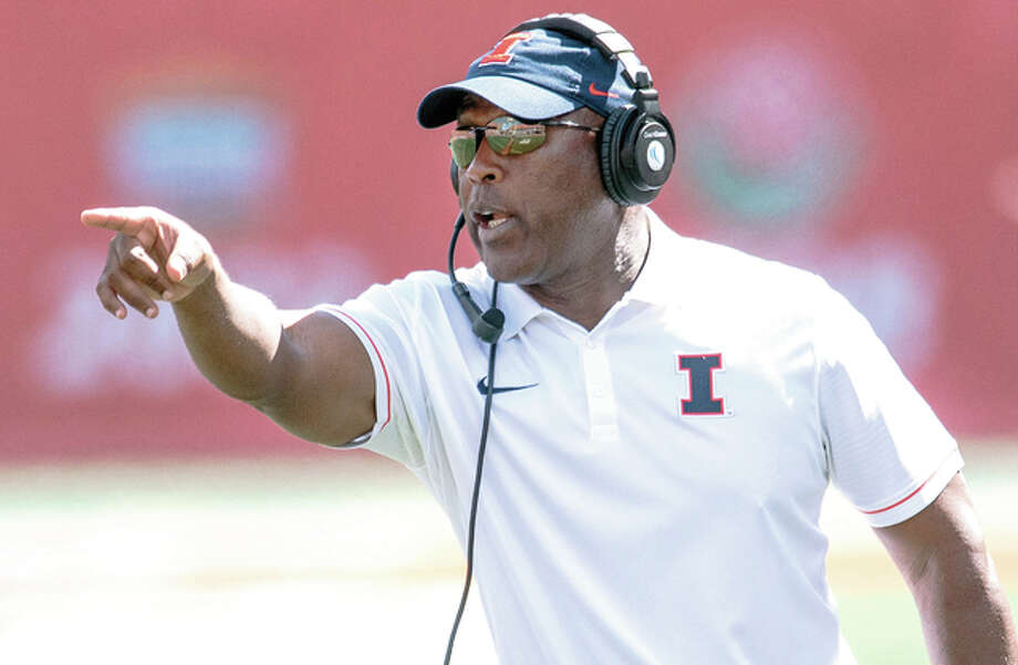 Illinois coach Lovie Smith shouts during a game earlier this season in Champaign. Smith's Illini can deny bowl eligibility from rival Northwestern when the teams meet Saturday in Evanston. Photo: AP
