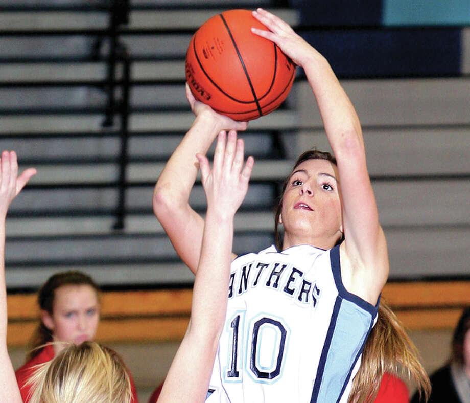 Jersey's Mackenzie Thurston topped the 1,000 career points mark Monday night in her team's 51-40 victory over Gillespie. Photo: James B. Ritter File Photo | For The Telegraph