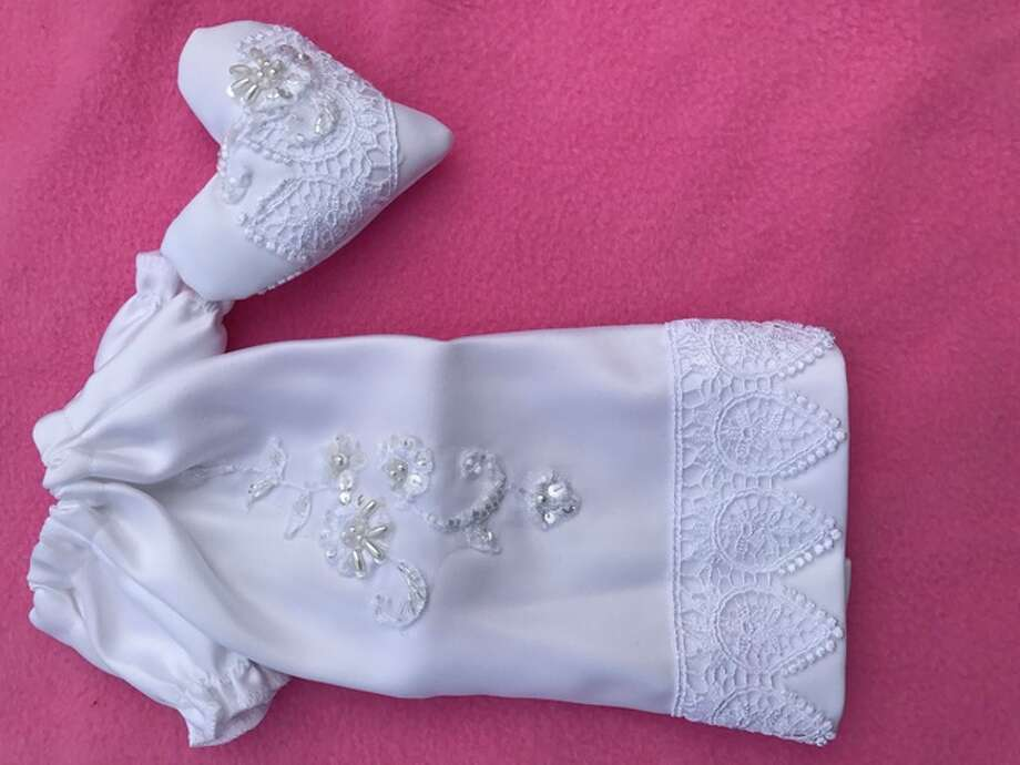 An example of one of the newborn burial outfits made by Newborns in Need.