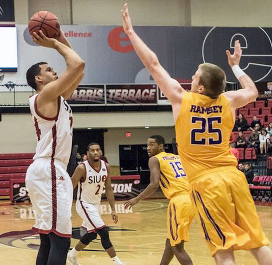 SIUE's Jalen Henry, left, had 19 points and seven rebounds in Friday's loss to Tennessee Tech at the Vadalabene Center. Photo: SIUE Athletics