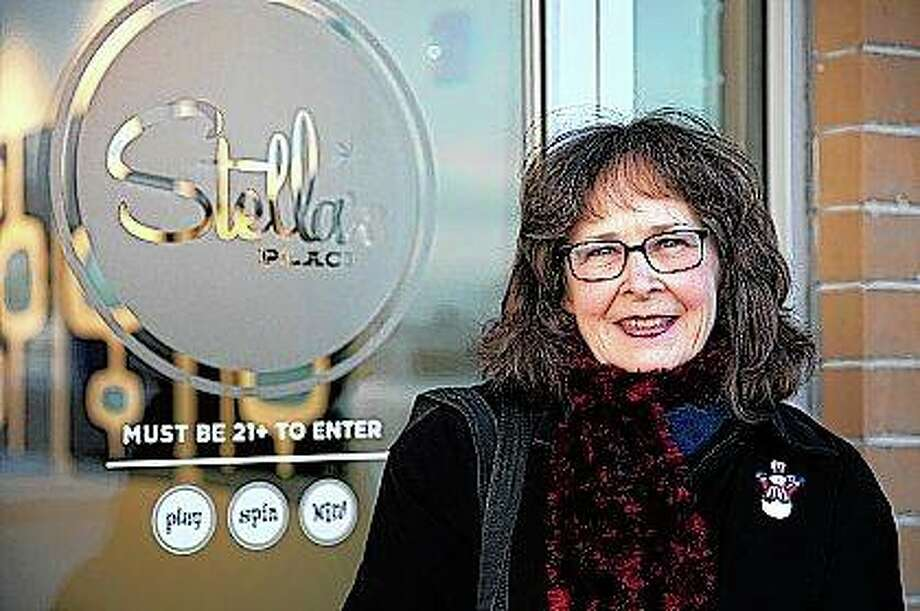 Kathy Gilroy entered a free sweepstakes and won $25,000 through a gambling parlor in Villa Park. Photo: Erin Hooley | Chicago Tribune (AP)