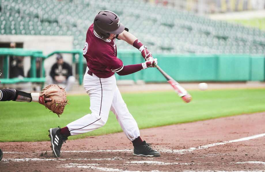 The Dustdevils were swept in four games at Lubbock Christian losing a doubleheader Saturday 9-1 and 8-4. TAMIU second baseman Abel Aguilar scored TAMIU's lone run in Game 1 and had a run and an RBI in Game 2. Photo: Danny Zaragoza /Laredo Morning Times File