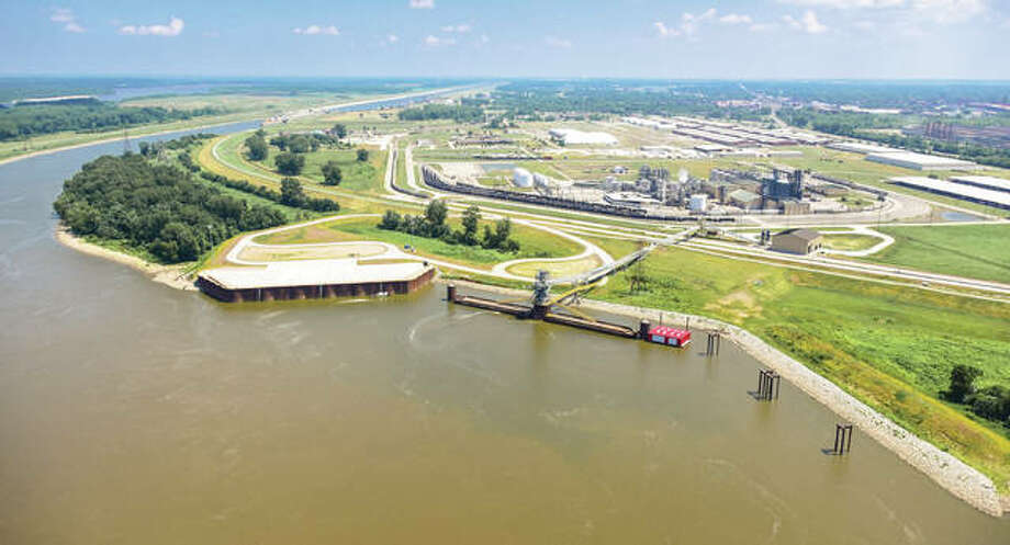 The $50 million South Harbor Project at America's Central Port in Madison was one of the highlighted projects discussed in the recently-released annual 2016 Market Review & Investment Update from the Leadership Council Southwestern Illinois.