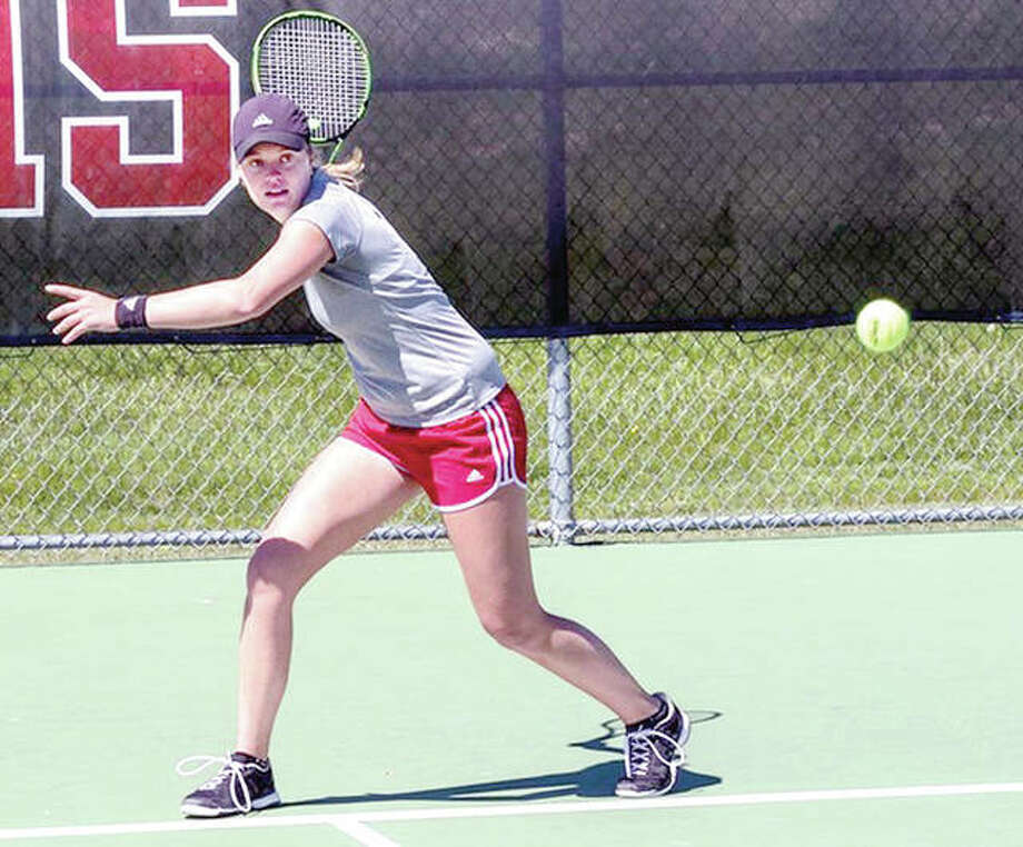 Lexi Aranda of SIUE gets ready for a return against Murrary State's Anja Loncarevic Saturday at SIUE. Arnada won 6-0, 6-1. Photo: SIUE Athletics