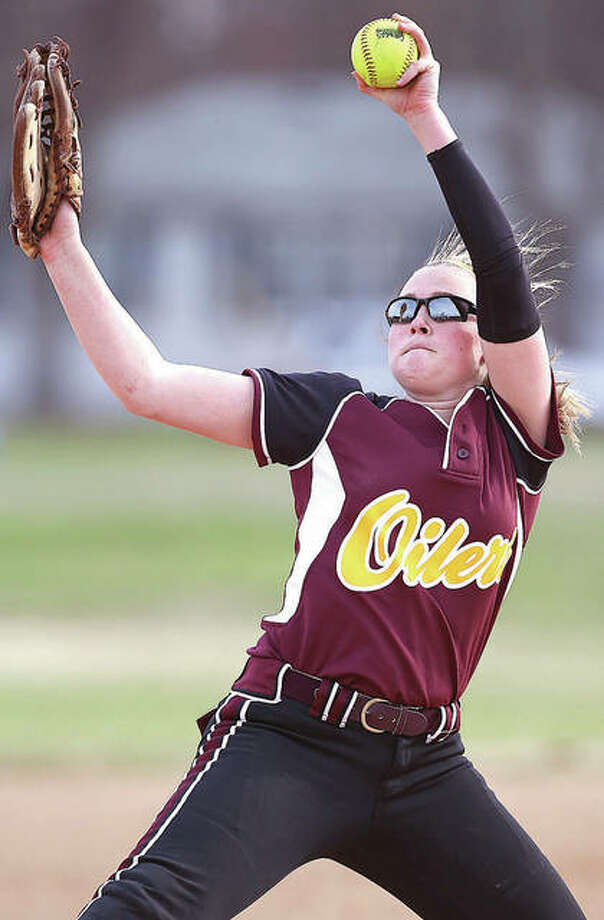 EA-WR's Morgan Moxey hurled the Oilers to a semifinal win over Southwestern on Tuesday at the Dupo Class 2A Regional. Photo: Telegraph File Photo