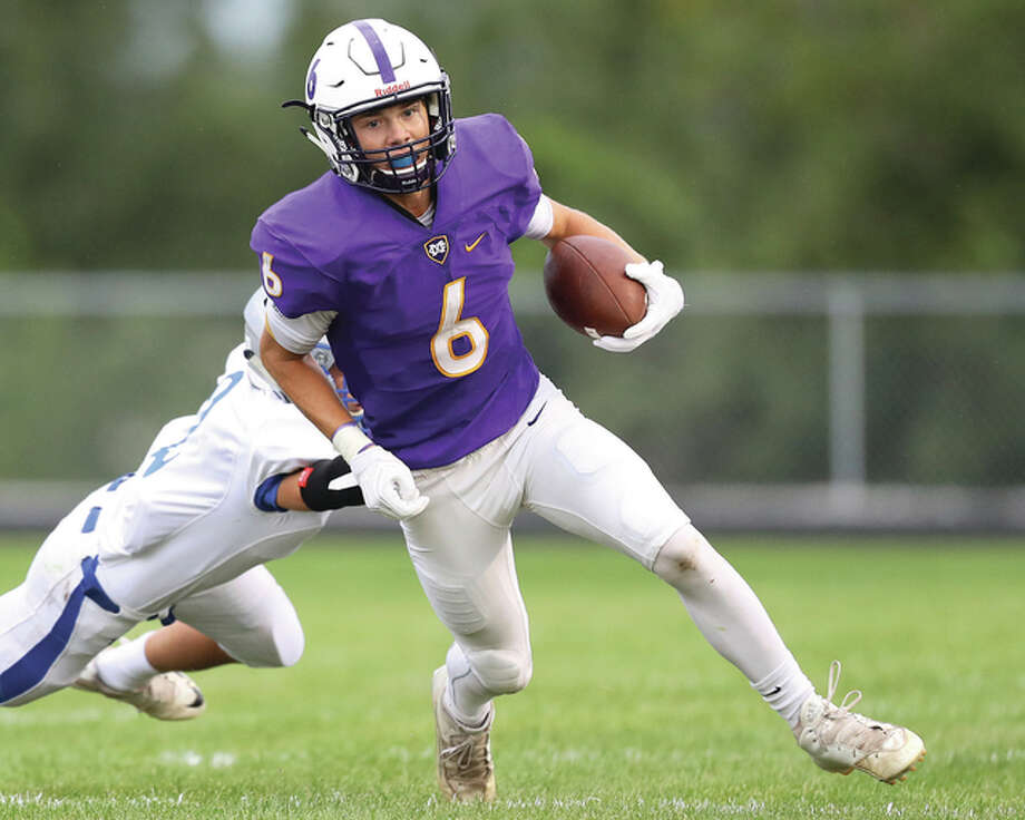 Civic Memorial's David Lane (6) has announced that he will play football at Augustana College in Rock Island. Photo: Billy Hurst File Photo | For The Telegraph