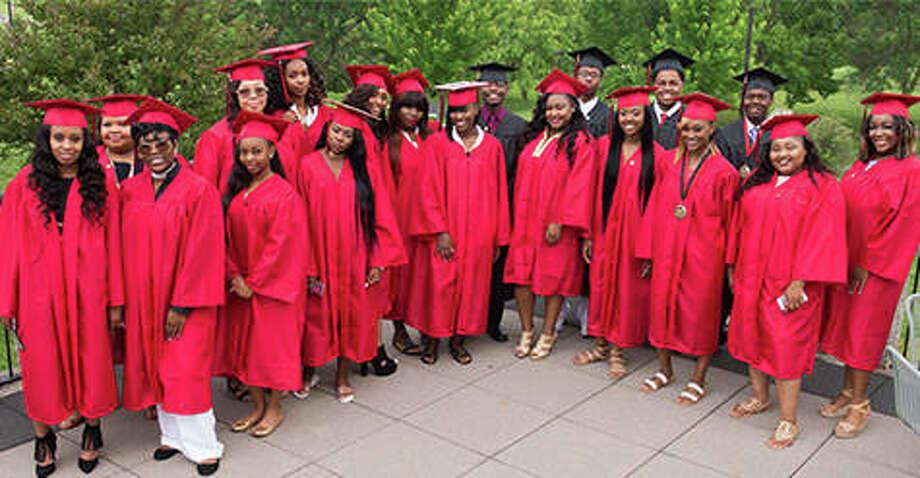 SIUE Charter High School Class of 2017.