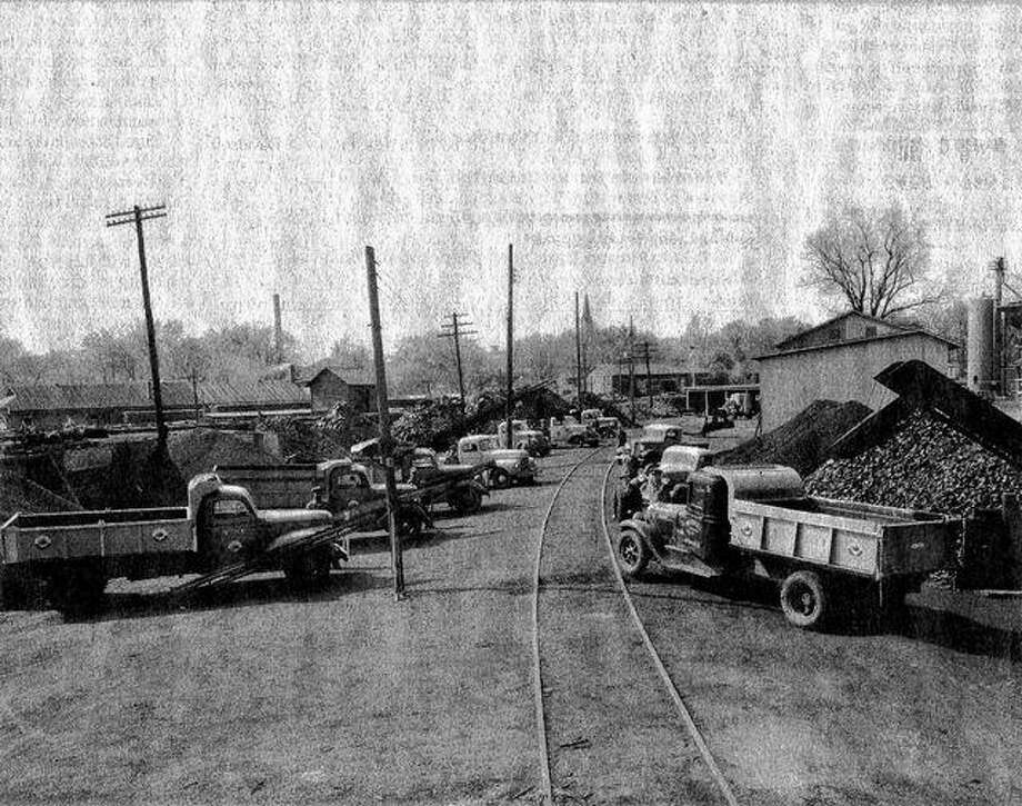 The Walton & Co. coal yard on East College Avenue in the early 1940s. The buildings on the right belonged to Wright Lumber Co.
