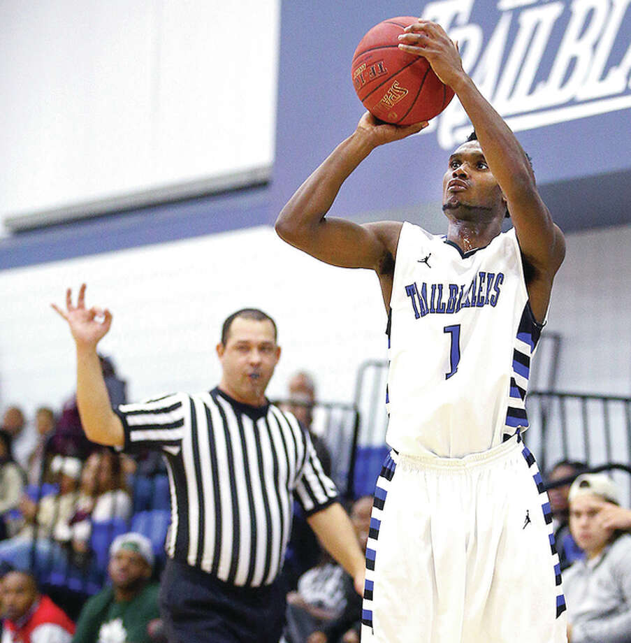 LCCC's Mike Williams-Bey (1) scored 18 points to lead the Trailblazers in Monday night's loss to Kaskaskia College in a play-in game of the Region 24 Tournament. Williams-Bey is a freshman from Alton High. Photo: Billy Hurst | For The Telegraph