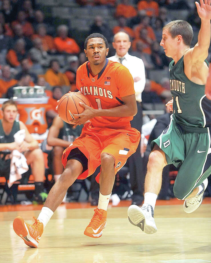 Illinois guard Jaylon Tate (1) was arrested over the weekend on a misdemeanor charge of domestic battery. Photo: AP Photo