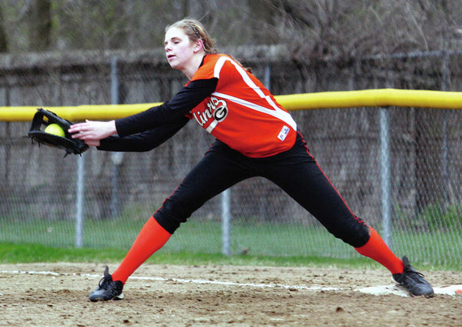 Gillespie's first baseman Rylee Sarti stretches for the putout during a game last season in Gillespie. Sarti is back for her sophomore season and has helped the Miners to a 5-0 start. Photo: James B. Ritter / For The Telegraph