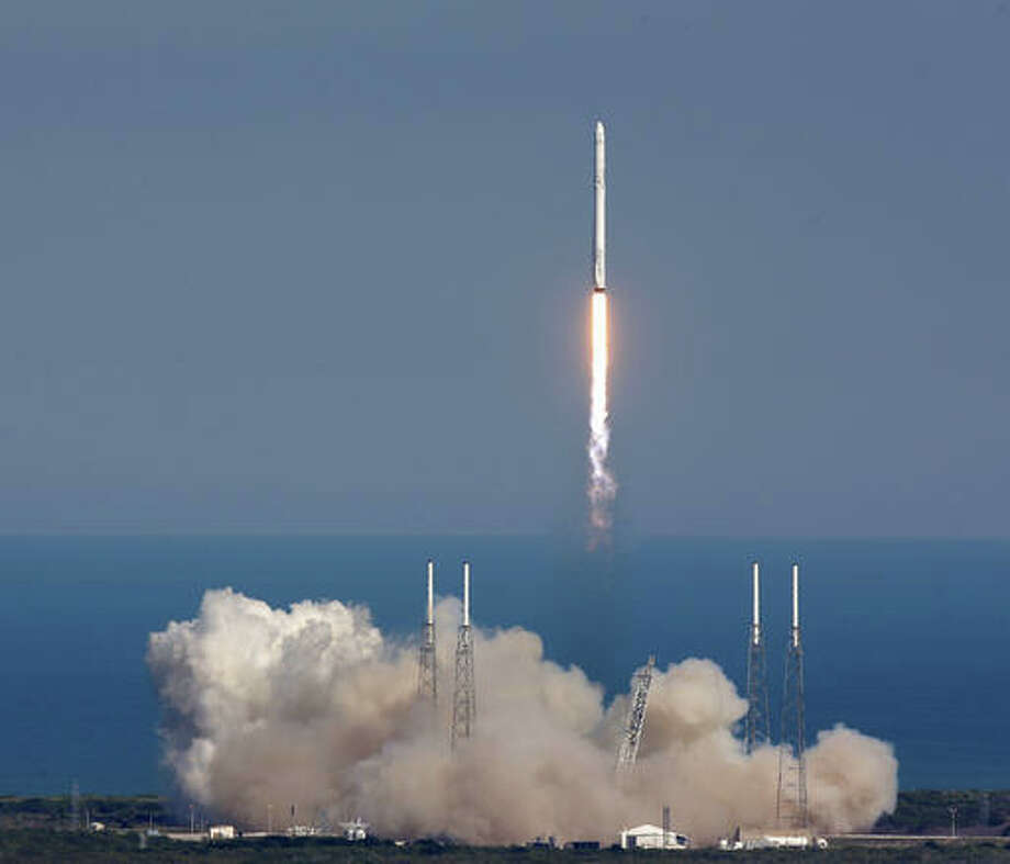 The SpaceX Falcon 9 rocket lifts off from launch complex 40 at the Kennedy Space Center in Cape Canaveral, Fla., Friday, April 8, 2016. The rocket will deliver almost 7,000 pounds of science research, crew supplies, and hardware to the International Space Station.