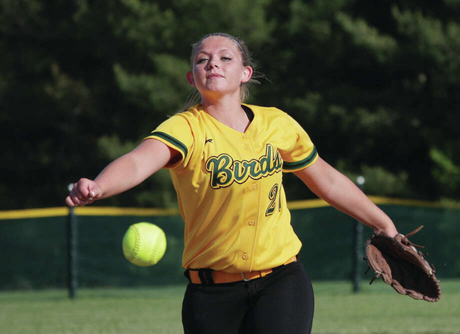 Southwestern pitcher Bailee Stahl delivers to the plate Wednesday against Dupo. Photo: James B. Ritter | For The Telegraph
