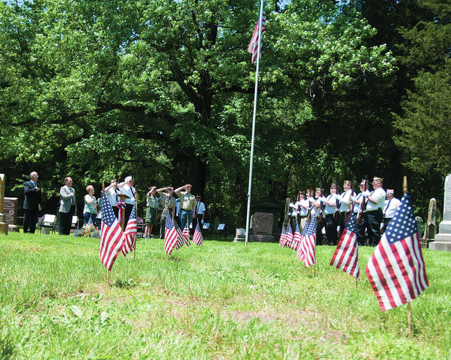 Oaklawn Cemetary in Glen Carbon was the site of the Annual Memorial Day service honoring verterans from various wars with special guest speaker Illinois Senator Bill Haine.