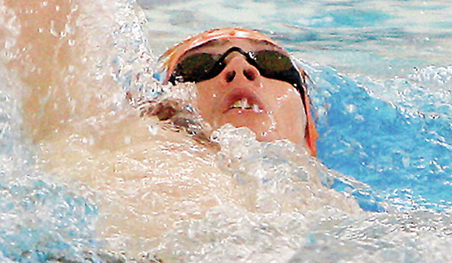 Former Edwardsvile Breakers standout Sean Workman won his heat Thursday morning in the 200-meter backstroke at the US Olympic Swim trials in Omaha.