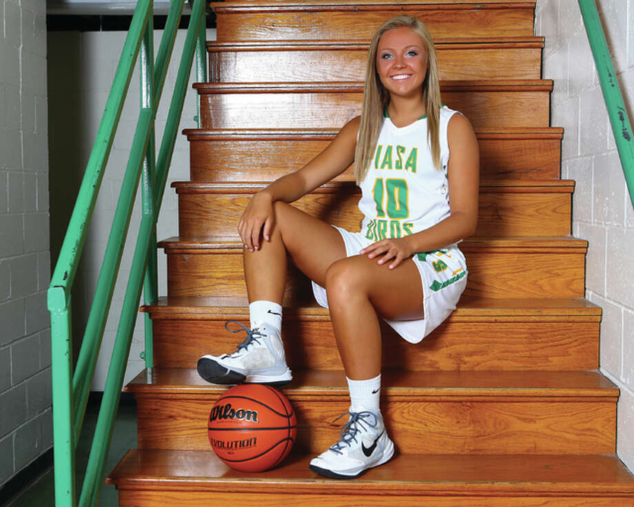 Southwestern senior Maddy Greeling is the 2016 Telegraph Small-Schools Girls Basketball Player of the Year. It completes a prep sweep for Greeling, who won the player of the year award in each of her four seasons with the Piasa Birds. Photo: Billy Hurst | For The Telegraph