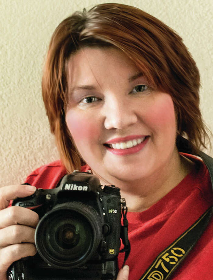 "Jody Jedlicka, of Jerseyville, is on her last week of juggling three full time gigs, photographer, internet car salesperson and student. Jedlicka has ran ""Photographic Imagery by Jo"" from her home in Jerseyville, until recently. Now she rents a studio space at Jacoby Arts Center in Alton."