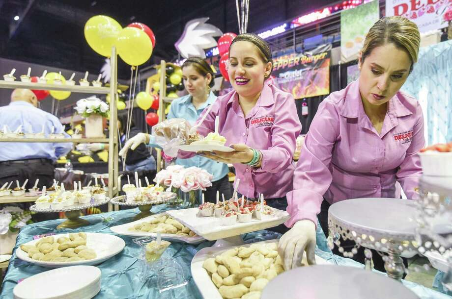 Keep scrolling to see the 25 local and franchise restaurants participatingin this year's Taste of Laredo: Delicias del Contry Photo: Danny Zaragoza, Staff Photographer / Laredo Morning Times