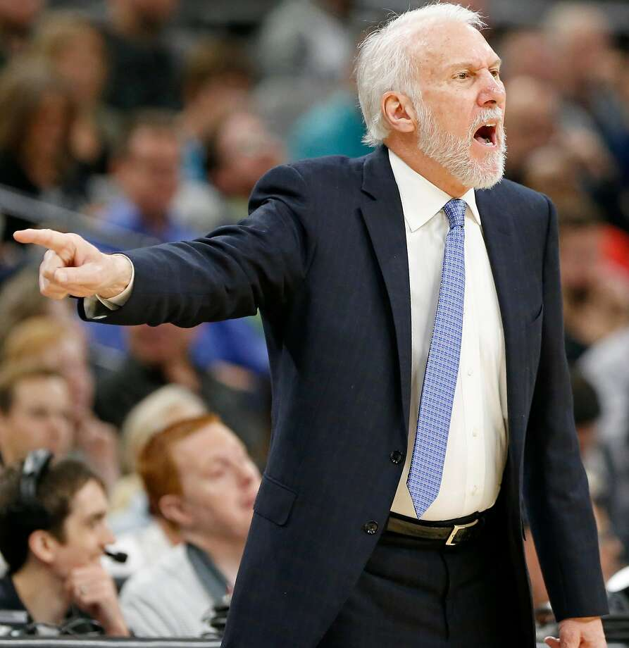 San Antonio Spurs head coach Gregg Popovich calls a play during first half action Detroit Pistons Monday Dec. 4, 2017 at the AT&T Center. Photo: Edward A. Ornelas, San Antonio Express-News