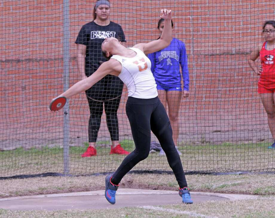 United's Sadey Rodriguez broke her own city record in the discus with a throw of 143'8 Saturday at the LISD Invitational Relays. Photo: Clara Sandoval /Laredo Morning Times