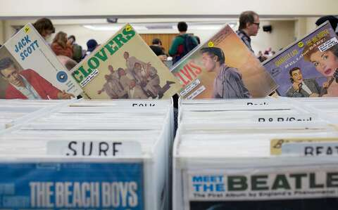 Vinyl fans dig for treasure at KUSF record swap - SFGate