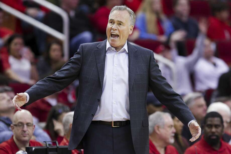 Houston Rockets head coach Mike D'Antoni reacts to a call as the Houston Rockets beat the Dallas Mavericks 104-97 at the Toyota Center Sunday, Feb. 11, 2018 in Houston. (Michael Ciaglo / Houston Chronicle) Photo: Michael Ciaglo/Houston Chronicle