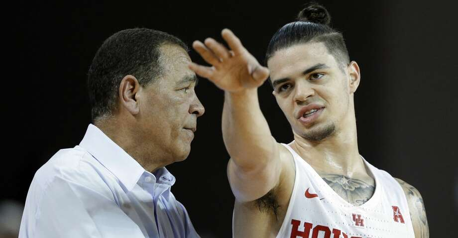 Players such as Rob Gray have helped Kelvin Sampson and Houston overcome the skeptics who doubted the Cougars' chances in 2017-18. Photo: Michael Wyke/For The Chronicle