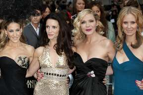(Left To Right) Sarah Jessica Parker, Kristin Davis, Kim Cattrall And Cynthia Nixon Arriving For The Uk Premiere Of Sex And The City 2 At The Odeon, Leicester Square, London. (Photo by Mark Cuthbert/UK Press via Getty Images)