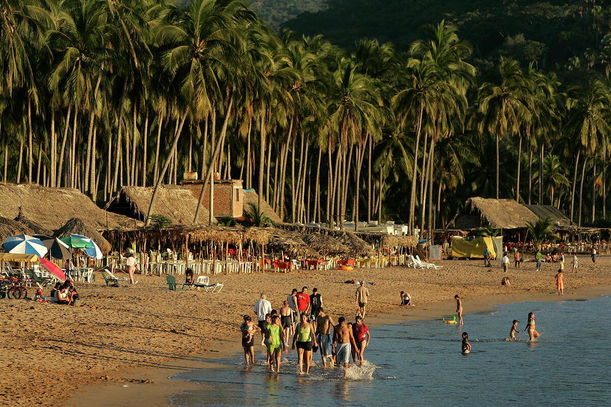 Chacala, Nayarit Level 3 warning: Reconsider travel Reconsider travel due to crime. Violecnt crime andgang activity are common in parts of Nayarit.