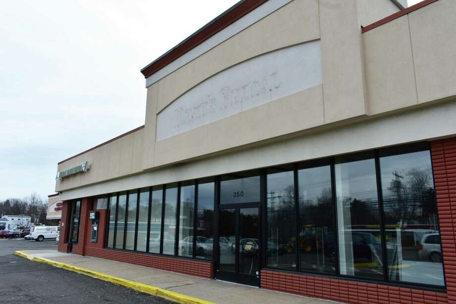 The former David's Bridal space at 250 Westport Ave. in Norwalk, Conn., in February 2018. Photo: Alexander Soule / Hearst Connecticut Media / Stamford Advocate