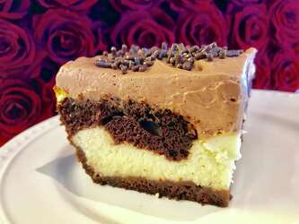Affection Comes Easy For Valerie Bertinelli S Love Cake Houstonchronicle Com