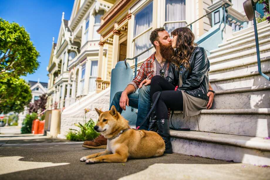 GALLERY: SF neighborhoods where people use Tinder the most Photo: Itsskin/Getty Images