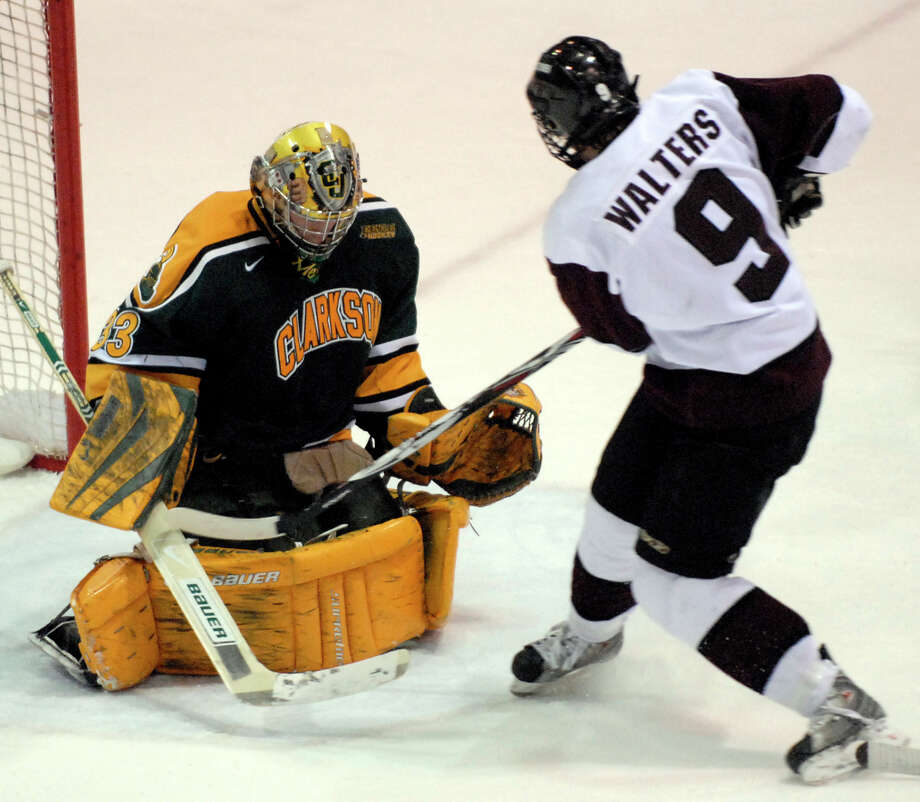 (Hans Pennink Special to The Times Union) Jason Walters of Union College puts the puck past Clarkson University Goalie David Leggio during the first period of play at the Achilles Center on the Union College Campus in Schenectady, NY Friday, February 22, 2008 Photo: Hans Pennink / ALBANY TIMES UNION