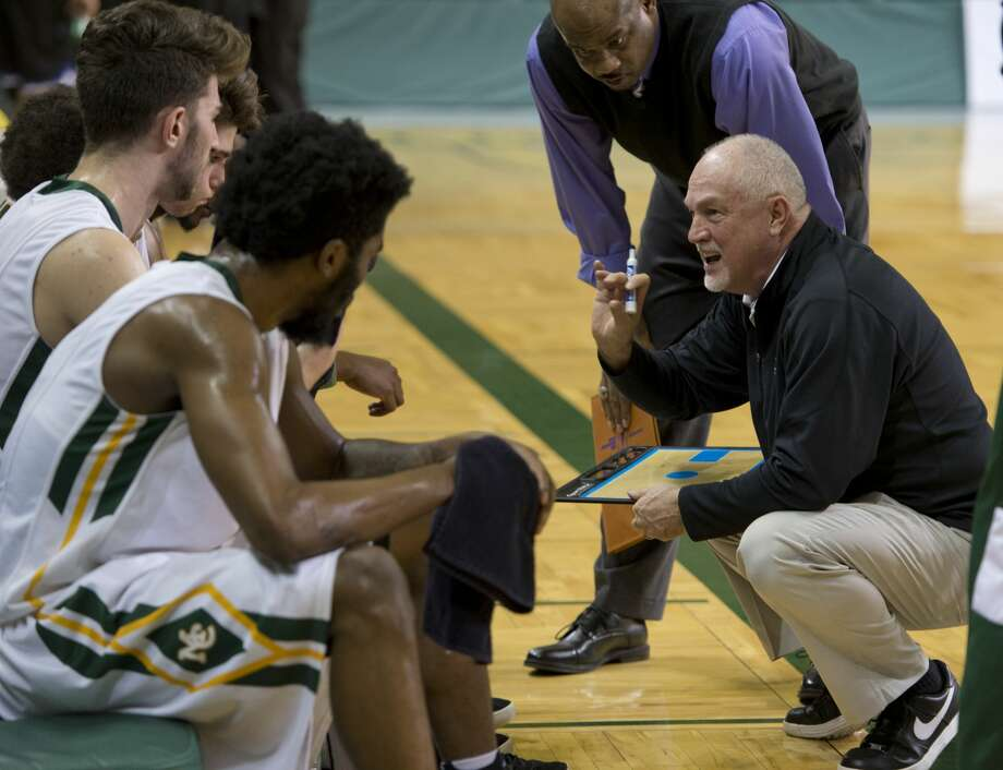 Midland College Coach Pat Rafferty talks with his players 02/12/18 during a time out against Odessa College at the Chaparral Center.  Tim Fischer/Reporter-Telegram Photo: Tim Fischer/Midland Reporter-Telegram
