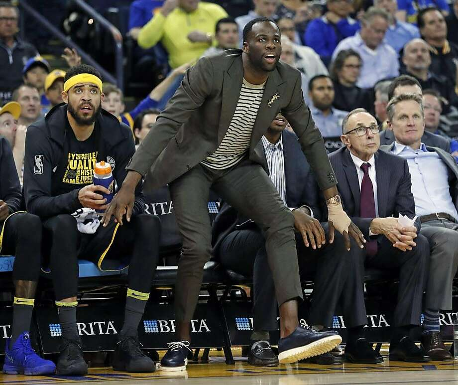 Golden State Warriors' Draymond Green reacts to a 3-pointer in 4th quarter against Phoenix Suns during NBA game at Oracle Arena in Oakland, Calif., on Monday, February 12, 2018. Photo: Scott Strazzante, The Chronicle