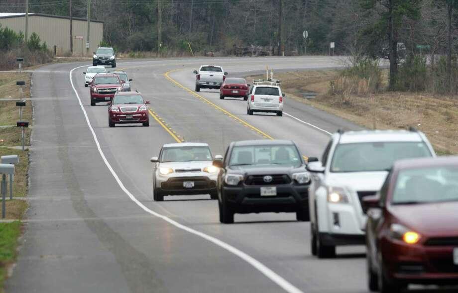 Motorists travel along U.S. 69 north of Lumberton on February 12, 2018. Guiseppe Barranco/The Enterprise Photo: Guiseppe Barranco, Photo Editor / Guiseppe Barranco ©