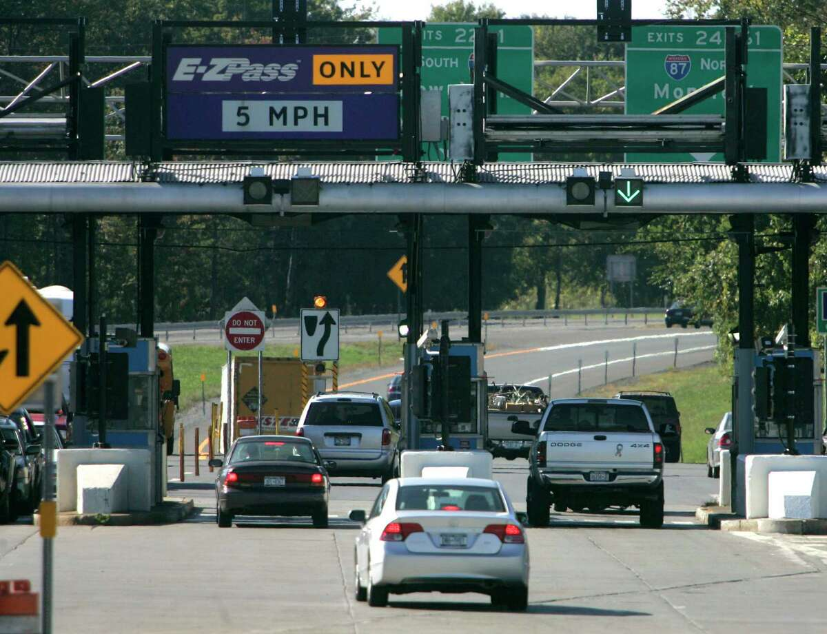 Vehicles enter the New York State Thruway in Albany, N.Y., Monday, Sept. 24, 2007. (AP Photo/Mike Groll)