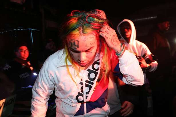 NEW YORK, NY - DECEMBER 30:  6ix9ine performs at FREQ NYC on December 30, 2017 in New York City.  (Photo by Johnny Nunez/WireImage)